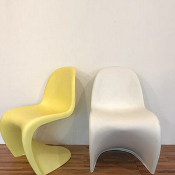 {Vitra} Panton chair by verner panton